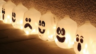 Halloween decor idea ghost 1.jpg