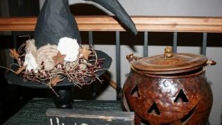 Basteln pappmache halloween deko hexenhut selber machen tischdeko.jpg