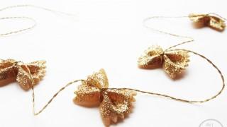 Diy bowtie pasta garland for christmas_0005_via www.thegoldjellybean.jpg