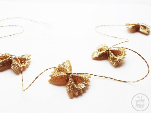 Diy bowtie pasta garland for christmas_0005_via www.thegoldjellybean.jpg