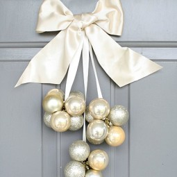 Diy ornament door decoration using dollar store ornaments only takes 30 minutes via tarynatddd_3.jpg