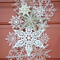 Gallery 1478037046 dollar store snowflake door hanger 3.jpg
