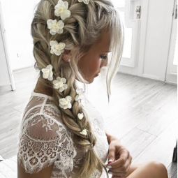 Wunderschone Romantische Frisuren Mit Blumen Nettetipps De