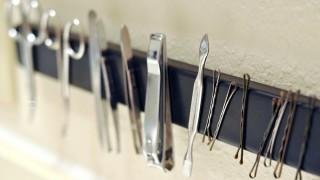 Magnetic bathroom rack.jpe