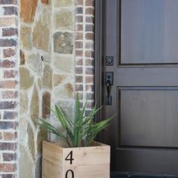 Diy house number planter box.jpg