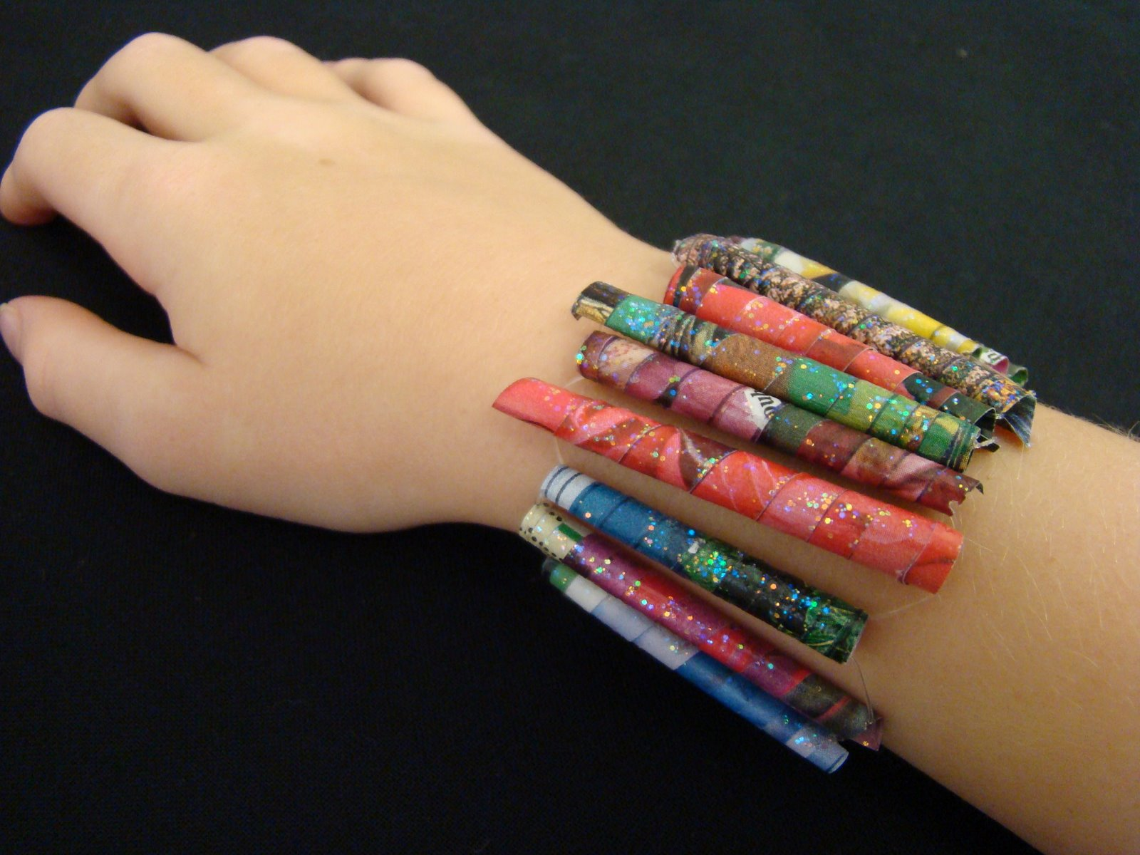 Make a bead bracelet from magazine pages.jpg