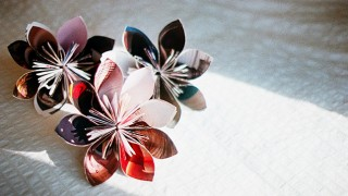 Make a recycled magazine flower.jpg