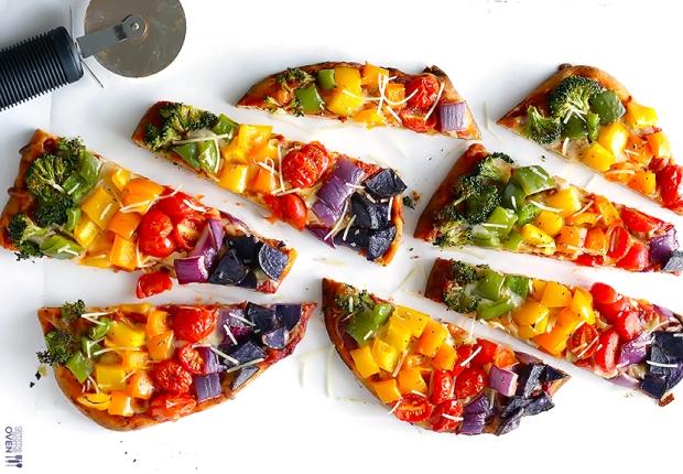 Rainbow veggie flatbread pizza blog.jpg