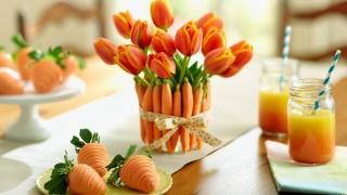 2015 03 02_mulligan carrot tulip vase carrot strawberries.jpg