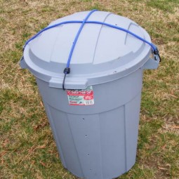 A simple compost bin using a plastic garbage can.jpg