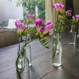 Easy spring flower arrangement.jpg