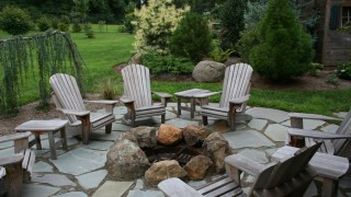 Flagstone patio fire pit.jpg