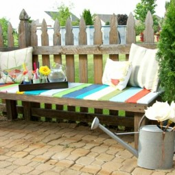 Gartenbank aus palette bunt sitzflaeche garten deko idee giesskanne.jpg