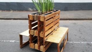 Holzpaletten gartenbank pflanzkasten modern platzsparend klappbarer sitz.jpg