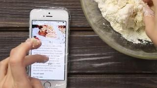 Tipps tricks haushalt frischhaltefolie smartphone schuetzen kochen backen.jpg