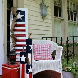 Turn an old shutter into a fun 4th of july decoration.jpg