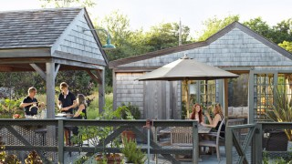 1426183178 outdoor kitchen patio garden design 0612 ddacxe xln.jpg