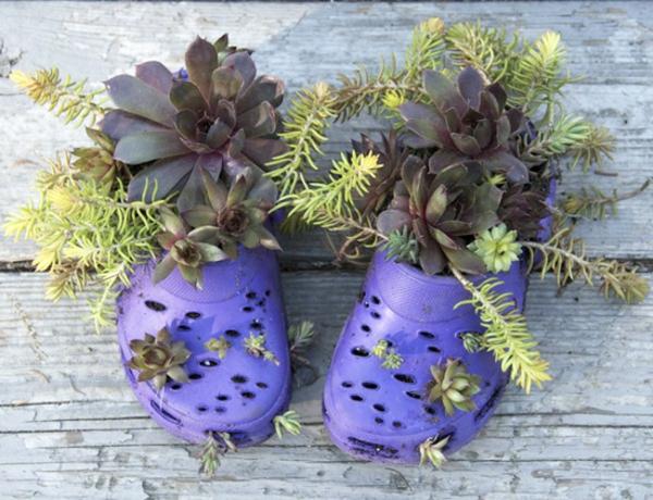 Blumenbeet anlegen in flipflops gartendeko.jpg