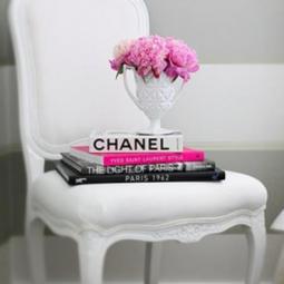 zauberhafte b cherdekoration. Black Bedroom Furniture Sets. Home Design Ideas