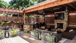 Chicago roof deck garden_style structure_4.jpg.rend_.hgtvcom.1280.853.jpeg