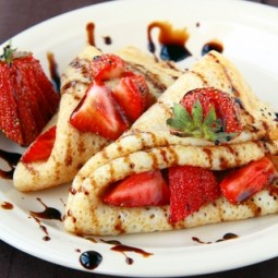 French pancakes with strawberries.jpg
