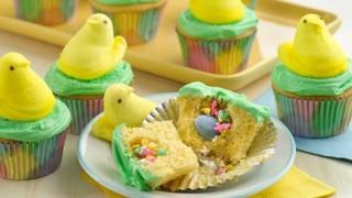 Kleine osterueberraschung selber machen backen surprise inside cupcakes.jpeg