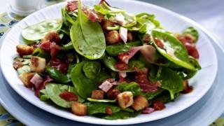 20 minuten salat mit schinken und croutons f5198201idce4bf126bleckerw590h442cgc.jpg
