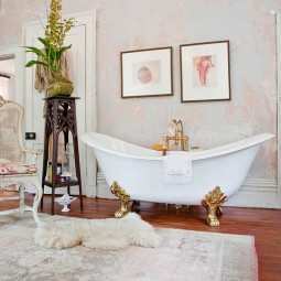 Amazing bathroom is the showstopper in this luxurious bathroom.jpg