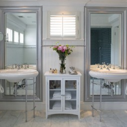 Bathroom design in shabby chic style.jpg