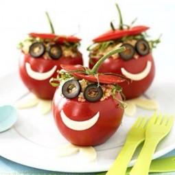 Kreative party essen idee und interessante vorspeise mit tomaten.jpg