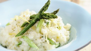 Asparagus risotto with lemon strips
