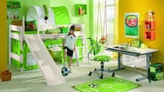 Das kinderzimmer fuer den fussball fan alles dreht sich um den ball foto paidi .jpg
