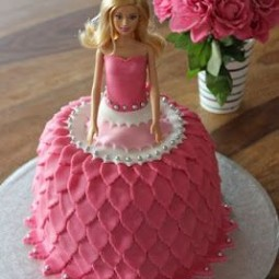 A0724e117ce892885e7be2b2c241df11 barbie torte doll cakes.jpg