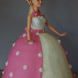 Ac28ae51b828a52a6fe268bb8815d4e6 barbie torte.jpg