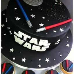 Ccdd1942516103ea819d44c68543daf7 star wars cupcakes torte star wars.jpg
