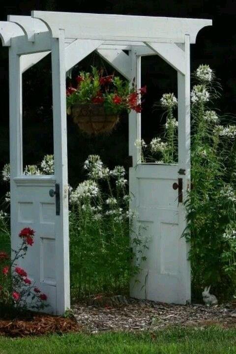 Alte Tür Im Garten Wiederverwenden