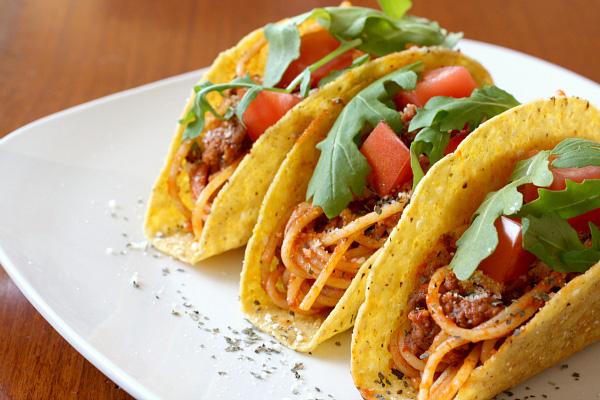 Spaghetti tacos recipe_dhn7d2.jpg