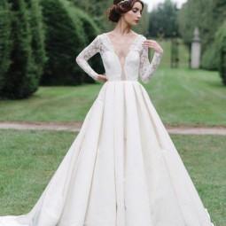 Elegantly modern designer wedding dresses 673 int.jpg