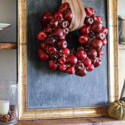 Cool fall diy apple wreath.jpg