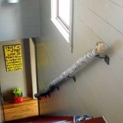 Diy handrail from a log.jpg