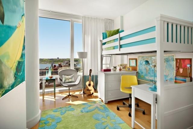 Kinderzimmer schulkind licht hochbett schreibtisch hellblau gruen.jpg