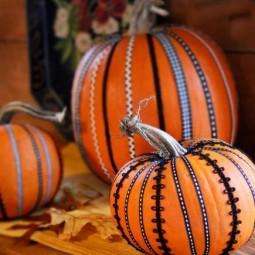 Pumpkin decorating 100964027cc.jpg