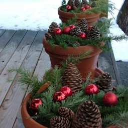 Easy_outdoor_christmas_decor.jpg
