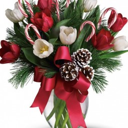Perfect Christmas Flower Arrangements With Two Red Candle On Glass with regard to Christmas Floral Table Decorations