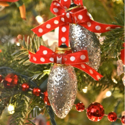 Recycled diy christmas ornaments 19.png