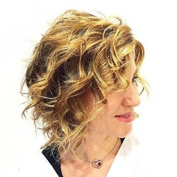 19 golden blonde wavy style with darkened roots 1.jpg
