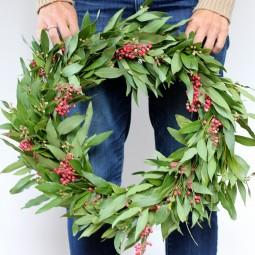 Diy wreath hold 2.jpg