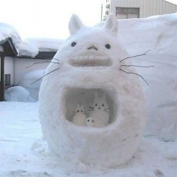 Winter decorating backyard ideas snow sculptures 10.jpg