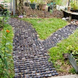 25 lovely diy garden pathway ideas 12.jpg