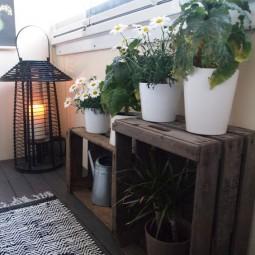 kleinen balkon sch n und platzsparend gestalten. Black Bedroom Furniture Sets. Home Design Ideas